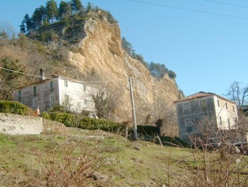 Casa con granaio_r200
